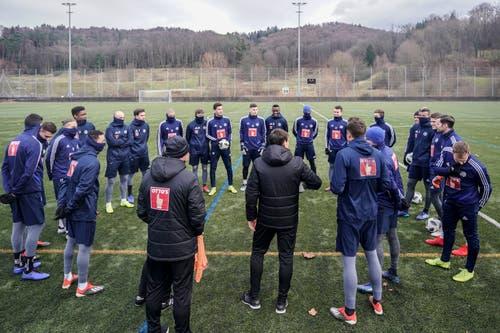 FCL-Trainer René Weiler spricht zur Mannschaft. (Bild: Andy Müller / Freshfocus (Luzern, 2. Januar 2019)