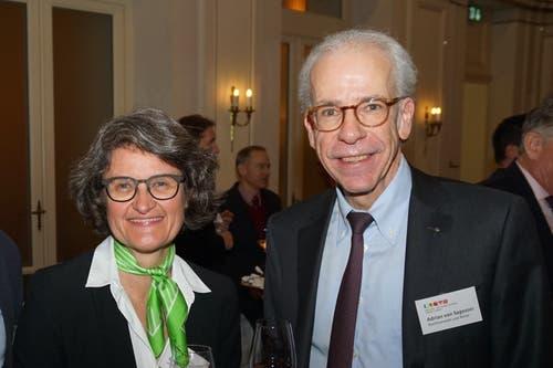 Einer der letzten Einsätze für die IHZ: Unternehmerin Brigit Fischer, zusammen mit Rechtsanwalt und Notar Adrian von Segesser. (Bild: PD)