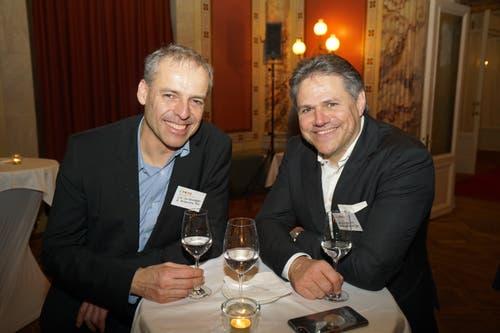 Urs Wullschleger (Wilhelm Schmidlin AG) im Gespräch mit Rainer Roten (Schindler Aufzüge AG). (Bild: PD)