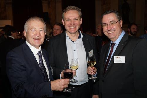 IHZ-Vorstandsmitglied Eugen Elmiger (Maxon Motor AG), mit Roland Huwiler (Amag Luzern) und Andreas Heer (ISS Facility Services AG). (Bild: PD)