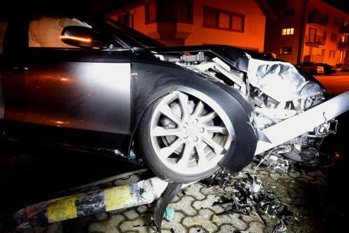 Hochdorf - 8. Januar Eine 26-jährige Autofahrerin verursachte auf der Bellevuestrasse in Hochdorf einen Selbstunfall. Verletzt wurde niemand. Der Gesamtschaden beläuft sich auf rund 35'000 Franken.