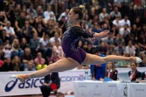 Boden: «Kunst und Turnen», das ist gemäss Steinemann beim Bodenturnen am besten zu sehen. Eleganz und Akrobatik sind gefordert. Die 90 Sekunden, in der die Turnerinnen ihre Übungen vortragen, müssen einen eigenen Charakter haben.
