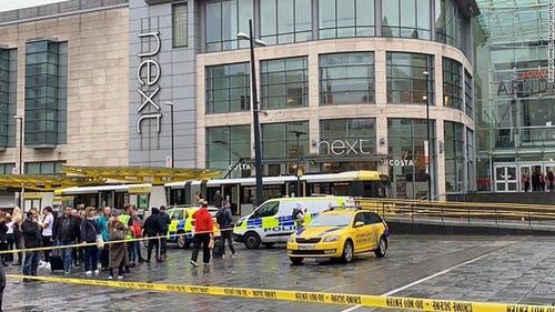Das betroffene Einkaufszentrum in Manchester. (Bild: BBC)
