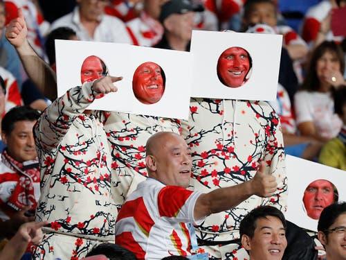 Die Herzen erobert: Japans Rugby-Fans sind überaus kreativ (Bild: KEYSTONE/AP/EUGENE HOSHIKO)