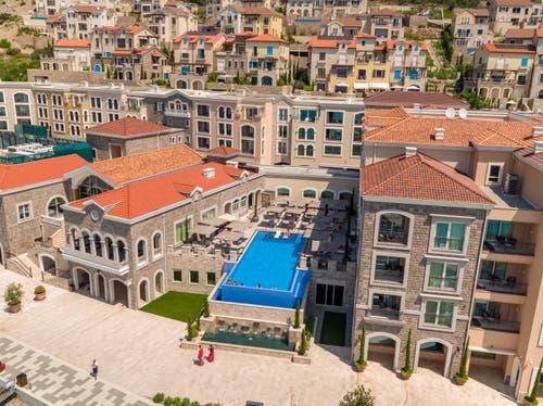 Das Hotel The Chedi in Lustica Bay. (Bild: PD)