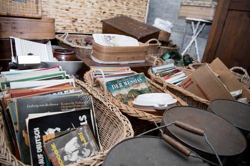 An einem Flohmarkt dürfen auch die Schallplatten nicht fehlen.
