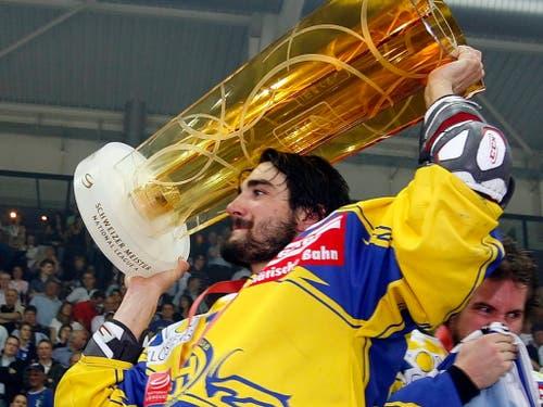 Einer von bisher sechs Meistertiteln: 2009 jubelte Ambühl mit dem HC Davos (Bild: KEYSTONE/PATRICK B. KRAEMER)