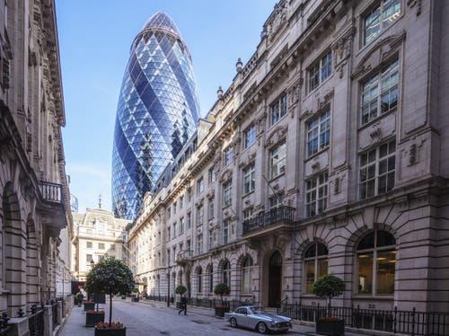 Swiss Re, London «The Gerkin», 180 Meter hoch. Architekt: Ken Shuttleworth und Norman Foster Bauzeit: 2001–2004 Bild: Imago