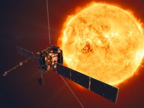 Der Solar Orbiter soll die Sonnenphysik studieren. Mit an Bord ist ein Röntgenteleskop der Fachhochschule Nordwestschweiz. (Künstlerische Darstellung) (Bild: ESA/ATG medialab)