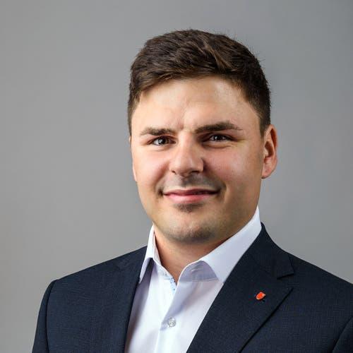Lukas-Fritz Hüppin, Nuolen, Liste 8 – JSVP, Gemeinderat, Projektleiter, 1992.nicht gewählt – 825 Stimmen