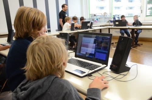 Im Kurs «Ein Tag als Musikproduzent» durften die Teilnehmer selber eine CD produzieren.