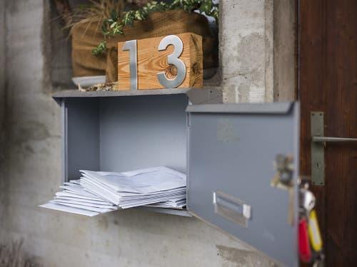 In Clavaleyres wählen die meisten brieflich. Die Wahlzettel landen im Briefkasten der Gemeinde. (Bild: KEYSTONE/ALESSANDRO DELLA VALLE)