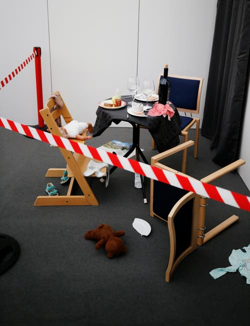 Das Thema der Sonderschau ist aber eigentlich ein heikles: Es geht um häusliche Gewalt. Die Zahl der registrierten Fälle steigt im Kanton Zug seit Jahren. (Bild: Stefan Kaiser, 19. Oktober 2019)