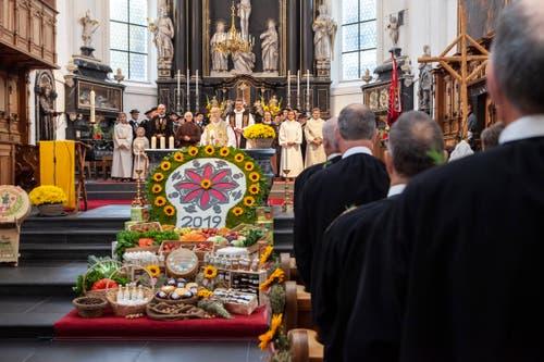 Die Älpergesellschaft am Festgottesdienst. (Bild: Edi Ettlin, Stans, 20. Oktober 2019)