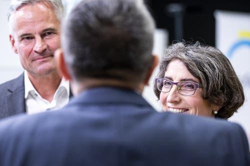Ständeratskandidat Matthias Michel (FDP) und die neu gewählte Nationalrätin Manuela Weichelt-Picard (Alternative - die Grünen). (KEYSTONE/Alexandra Wey)