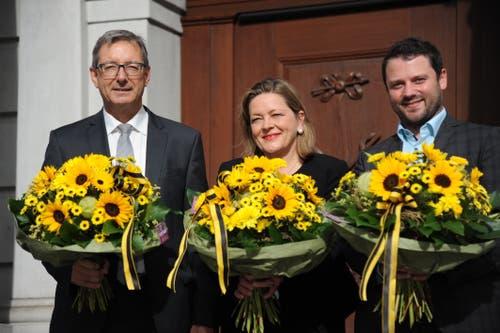 Sie vertreten den Kanton Uri in Bern (von links): Der wiedergewählte Ständerat Josef Dittli (FDP), die neu gewählte Ständerätin Heidi Z'graggen (CVP) und der neue Nationalrat Simon Stadler (CVP). (Bild: Urs Hanhart, Altdorf, 20. Oktober 2019)