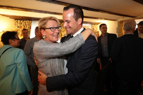 Die Freude bei Damian Müller (FDP) nach der Wiederwahl in den Ständerat ist gross. (Bild: Philipp Schmidli, Luzern, 20. Oktober 2019)