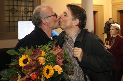 Michael Töngi (Grüne) mit seinem Partner. (Bild: Philipp Schmidli, Luzern, 20. Oktober 2019)