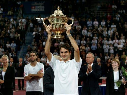 Im Jahr 2006 feierte Federer seinen ersten Titel am Heimturnier in Basel (Bild: KEYSTONE/GEORGIOS KEFALAS)