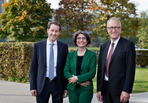Wahlen in Zug (von links): Die beiden Nationalräte Thomas Aeschi und Manuela Weichelt sowie Ständerat Peter Hegglin. (Bild: Stefan Kaiser, Zug, 20. Oktober 2019)