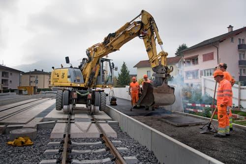 Die Arbeiten zwischen dem südlichen Portal des Haltiwaldtunnels und der Station Matt sind seit diesem Frühling im Gange. (Bild: Corinne Glanzmann, Hergiswil, 23. Oktober 2019)