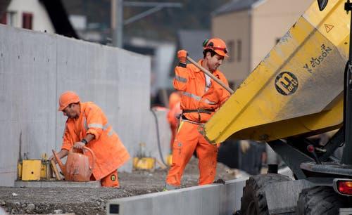 Die heisse Phase auf der Baustelle. (Bild: Corinne Glanzmann, Hergiswil, 23. Oktober 2019)