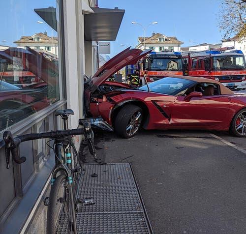 Die Lenkerin dieses Velos wurde vom Unfallfahrzeug erfasst.