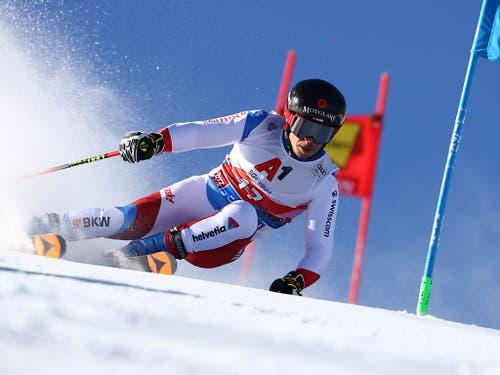 Gino Caviezel steigert sich im zweiten Lauf und ist als Neunter der beste Schweizer (Bild: KEYSTONE/AP/MARCO TROVATI)