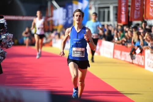 Manuel Waiss ist Sieger über 10 Kilometer. (Bild: Corinne Glanzmann, Luzern, 27. Oktober 2019)