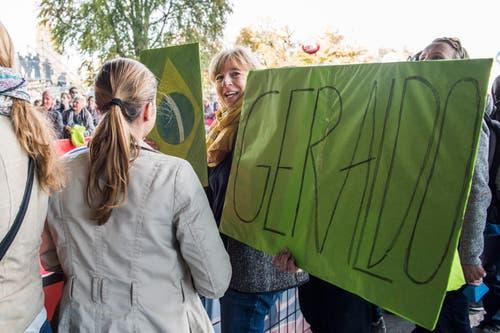 Unterstützung für Geraldo aus Brasilien.. (Bild: Dominik Wunderli, Luzern, 27. Oktober 2019)