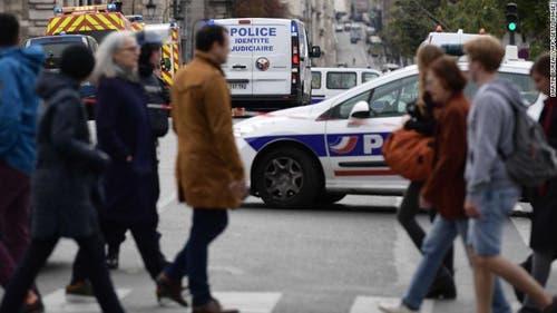 Das Gebiet wurde grossräumig abgesperrt. (Bild: Le Parisien)