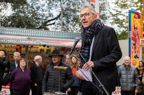 Rico de Bona, Präsident der IG Herbstmesse Luzern, bei der Eröffnungsrede. (Bild: Eveline Beerkircher, Luzern, 5. Oktober 2019)