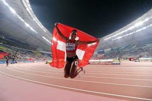 Mujinga Kambundji schreibt Geschichte - die Bernerin gewinnt die erste Schweizer WM-Medaille seit Viktor Röthlin 2007. (Bild: Keystone)
