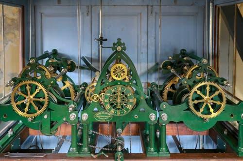 Das mechanische Uhrwerk mit seinen Rädern und... (Bild: Raphael Rohner)