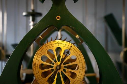 Die Kirchenuhr aus dem Jahr 1896 sei eine Besonderheit, da sie einen Sekundenzeiger hat. (Bild: Raphael Rohner)
