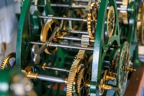 ... präzisem Getriebe, soll günstiger sein, als moderene Systeme. (Bild: Raphael Rohner)