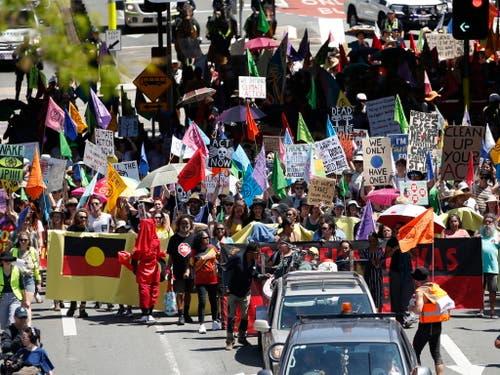 Auch im australischen Brisbane gingen die Umweltaktivisten auf die Strasse. (Bild: KEYSTONE/EPA AAP/REGI VARGHESE)