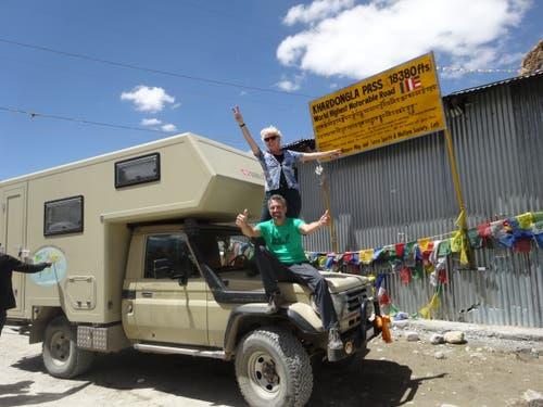 """Ladakh, Indien: Der höchste, befahrbare Pass der Welt, der 5602 Meter hohe """"Khardong La"""" auf dem Weg ins Nubra Valley. (Bild: Walter Odermatt)"""