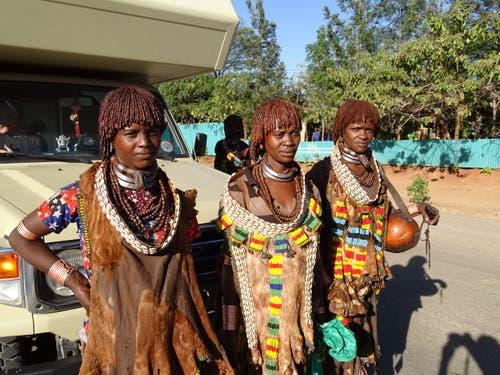 Hamerfrauen bei Turmi im südlichen Äthiopien. (Bild: Walter Odermatt)