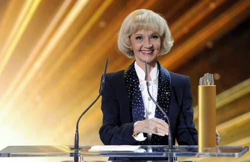 2012 - Liselotte Pulver erhält bei den Swiss-Awards in Zürich den Lifetime-Award. (Bild: Walter Bieri / Keystone)