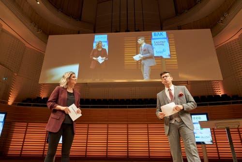 Führten durch den Abend: Fabienne Bamert und Jérôme Martinu. (Bild: PD, Luzern, 31. Oktober 2019)