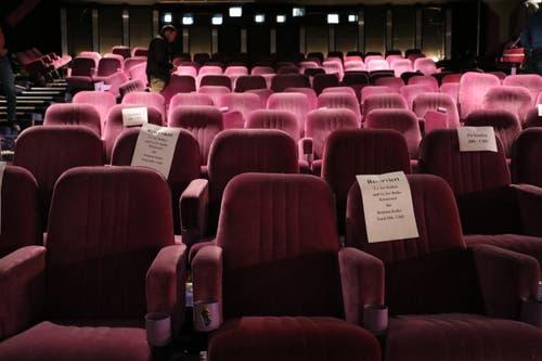 Ende 2017 wurde das Kino Corso geräumt. Viele Fans erwarben sich noch Kinositze...