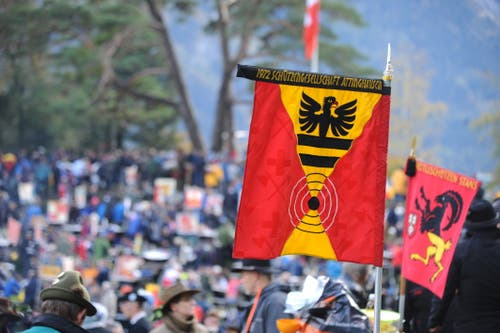 Fahne der Schützengesellschaft Attinghausen (Bild: Urs Hanhart, Rütli, 6. November 2019)