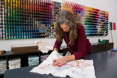 Petra Hüsler, Mitarbeiterin an der Hochschule für Design und Kunst in der Viscosistadt in Emmenbrücke. (Freie Fotografin/Eveline Beerkircher)