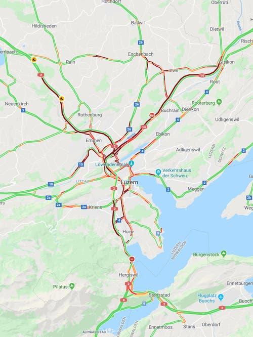 In und um Luzern geht gegen 18.28Uhr fast nichts mehr. (Bild: Screenshot Google Maps)