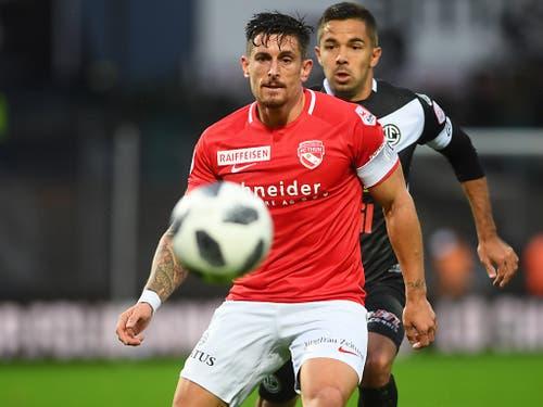 Dennis Hediger (vorne) wird bald zurückkehren. Für den FC Thun könnte es eine Wende bedeuten (Bild: KEYSTONE/TI-PRESS/ALESSANDRO CRINARI)