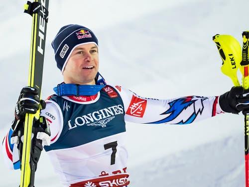 Alexis Pinturault im Moment, als er sich seines Sieges bewusst wird (Bild: KEYSTONE/JEAN-CHRISTOPHE BOTT)