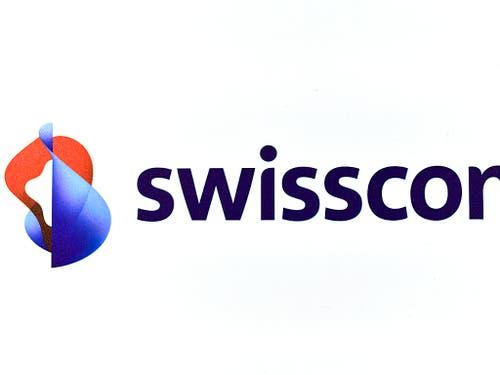 Die Swisscom muss ihre Preise für die Mitbenutzung der Kupferleitungen auf der letzten Meile um 10 bis 25 Prozent senken. Bei den garantierten Übertragungskapazitäten zwischen zwei Standorten verordnet ihr die Comcom gar Preisreduktionen zwischen 65 und 85 Prozent. (Bild: KEYSTONE/WALTER BIERI)