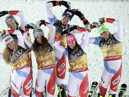 Gute Laune im erfolgreichen Schweizer Team. (Bild: KEYSTONE/APA/APA/EXPA/JOHANN GRODER)