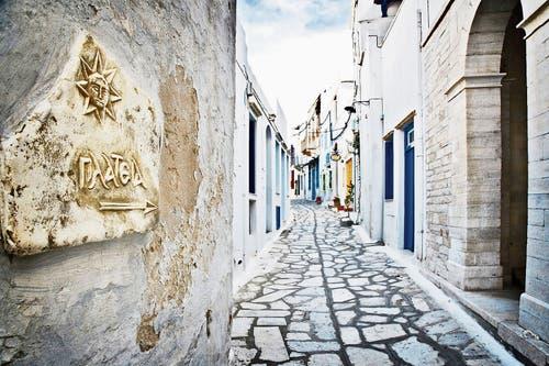 Das 400-Seelen-Dorf Pyrgos auf der Insel Tinos ist das Zentrum der Marmorkunst. (Bild: Bilder: Anna Karolina Stock)